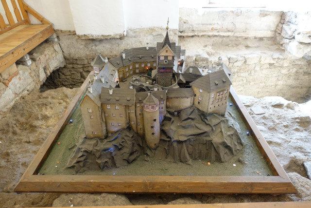 Modell Burg Loket